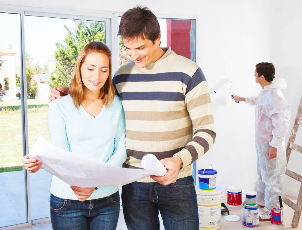 young-couple-buy-or-sell-a-house-onine-with-online-house-buying-online-sites