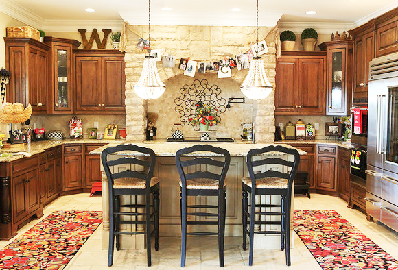 Decorate Custom Kitchen Cabinets for Perfect Kitchen