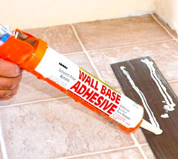glue-when-installing-vinyl-flooring-in-bathroom