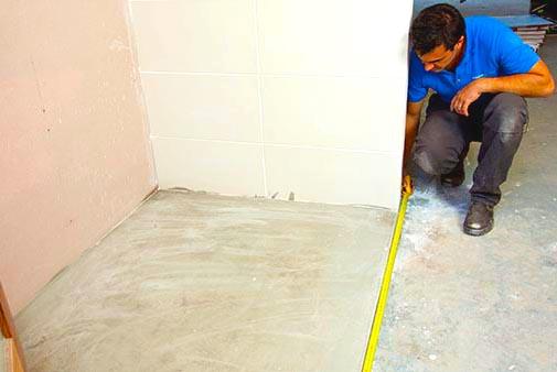 installing-vinyl-flooring-in-bathroom-and-cost-of-installing-vinyl-flooring