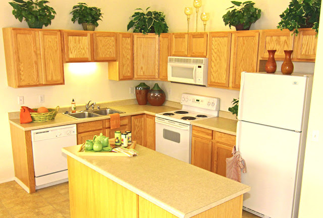 small-kitchen-designs-ideasfor-home-improvements-for-kitchen-interior-design-with-wooden-kitchen-cabinet