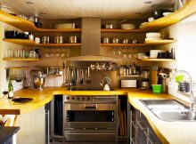 white-kitchen-cabinets-with-modern-kitchen-design-and-decorating-kitchen-ideas-in-wooden-racks-store
