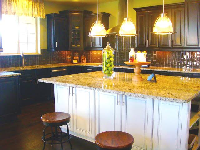 RTA-Espresso-Kitchen-Cabinets-with-White-kitchen-Island-above-the-pendant-light-kitchen-decor-ideas