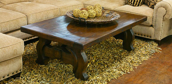 traditional-coffee-table-with-end-tables-for-living-room-from-solid-wood-coffee-table-with-luxury-lacquered-finishing-cocktail-tables