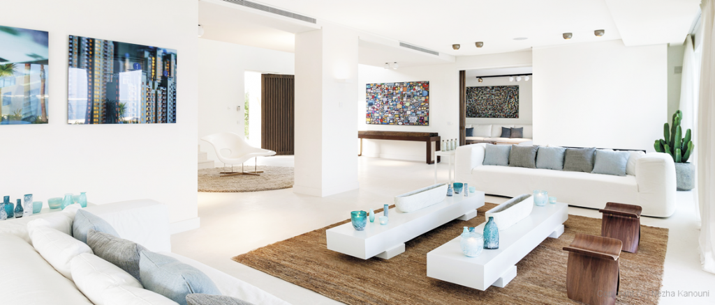 contemporary-style-sofa-in-licing-room-with-contemporary-style-furniture-with-white-home-furniture-in-modern-white-sectional-sofa
