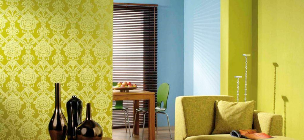wallpaper-tips-with-wall-papering-and-removing-wallpaper-glue-from-wall