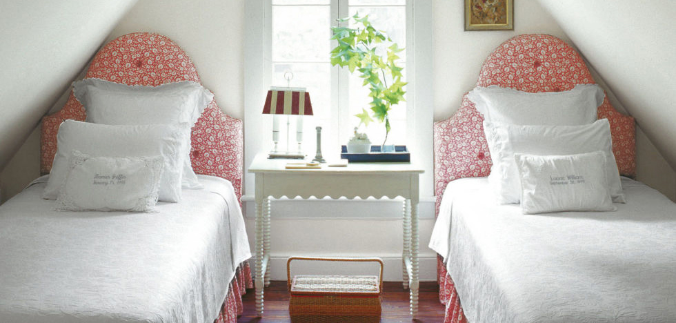 Bedroom designfor small room for Cozy Mood with ideas for small rooms and how to decorating small rooms with bedroom furniture for small room