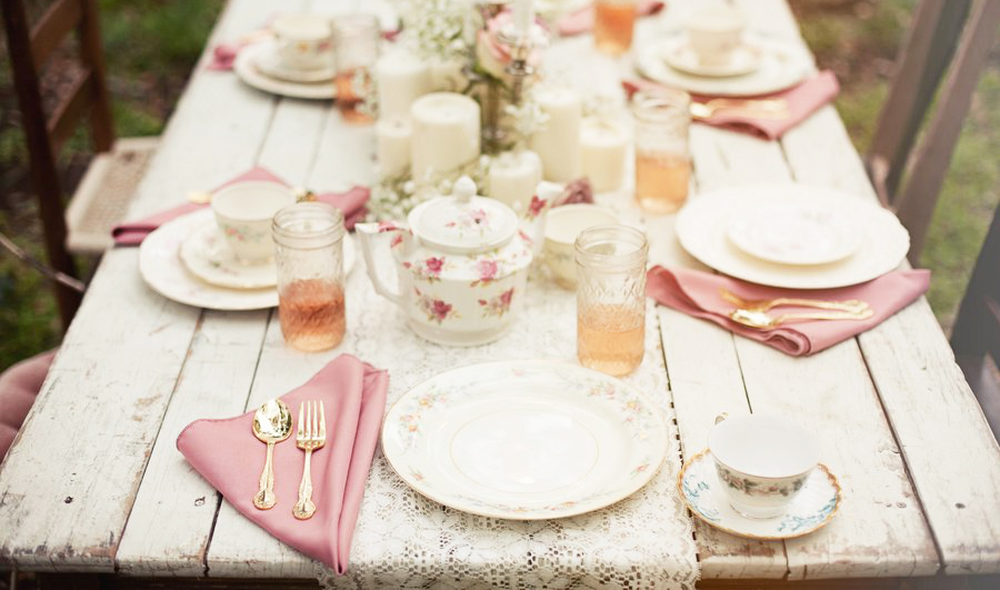 Decorate dining table ideas for everyday, christmast, easter, thanksgiving, party, also for welcoming guest, friends, and family member