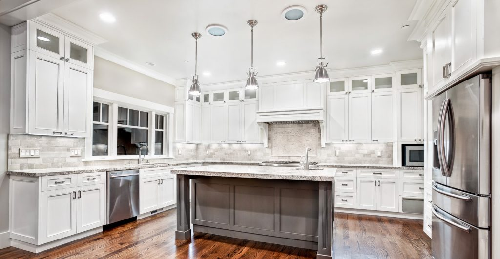 decorators white kitchen cabinets white kitchen cabinet for great looking kitchen decor 14595