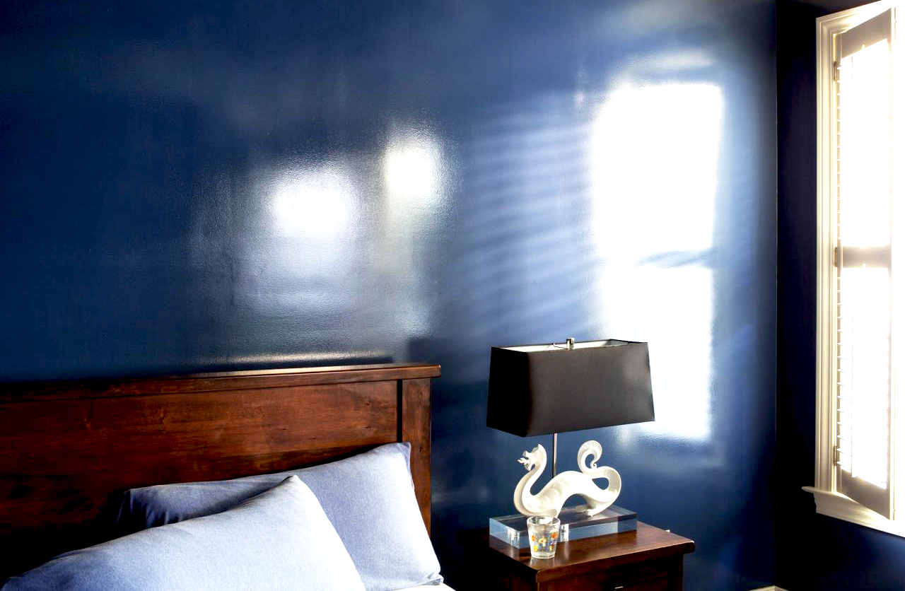 high-gloss-paint-in-contemporary-bedroom-ideas-also-with-blue-glossy-paint-interior-design-for-wall