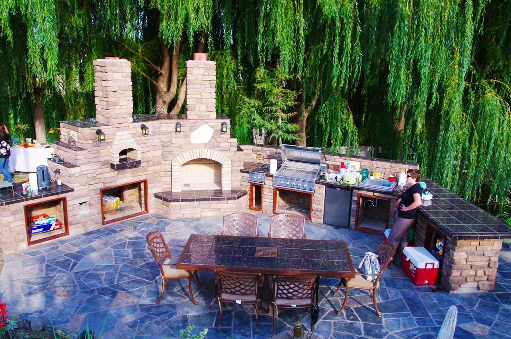 backyard-kitchen-designs-ideas-for-backyard-landscaping-ideas-with-outdoor-kitchen-grills-with-small-outdoor-kitchen-design-with-fireplace-ideas