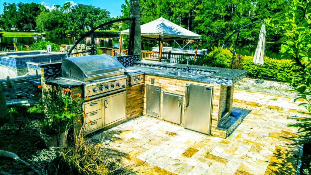 backyard-kitchen-designs-ideas-to-build-small-outdoor-kitchen-grills-with-outdoor-kitchen-appliances