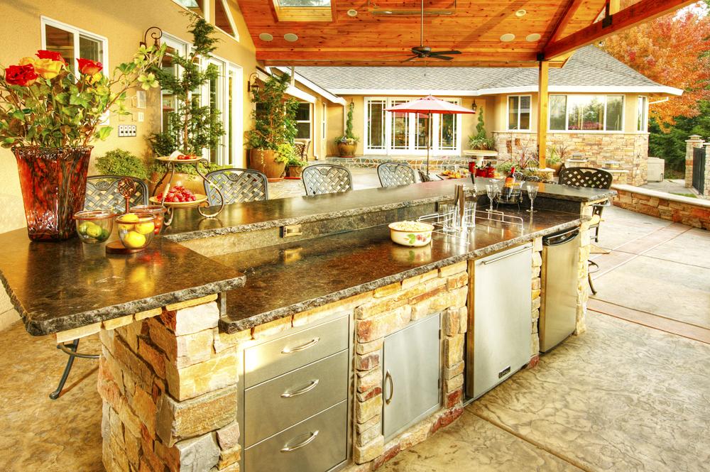 backyard-kitchen-designs-ideas-with-black-granite-countertops-design-in-small-backyard-design