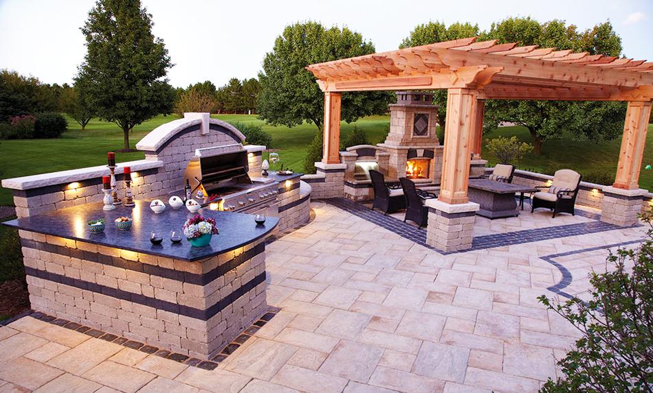backyard-kitchen-designs-ideas-with-outdoor-kitchen-grills-and-outdoor-kitchen-appliances-include-patio-backyard-ideas