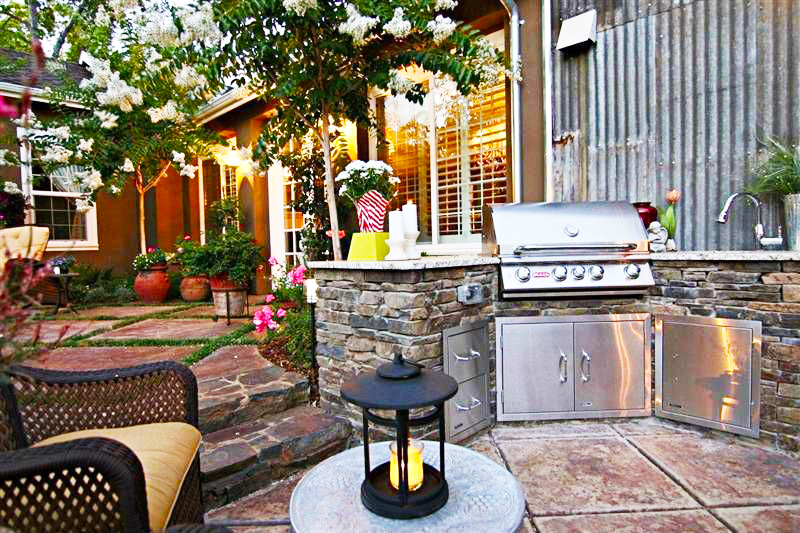 backyard-kitchen-designs-ideas-with-outdoor-kitchen-grills-for-small-backyard-design-photos-and-outdoor-kitchen-plans