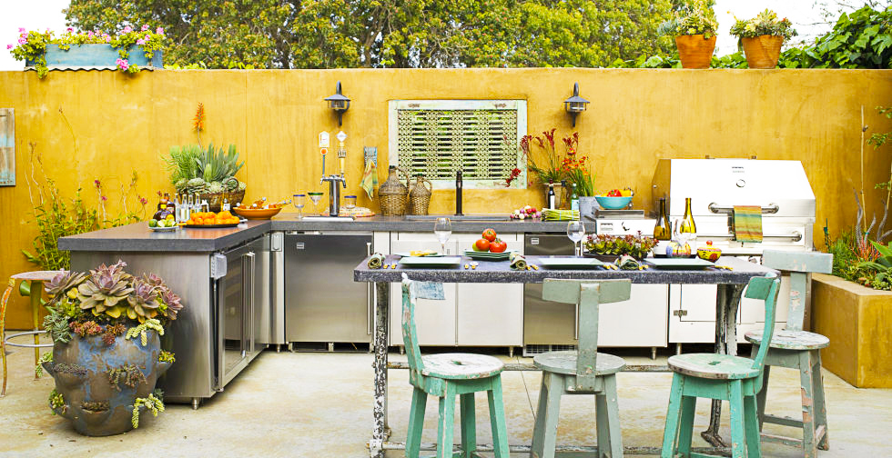 Best backyard kitchen designs roy home design for Traditional outdoor kitchen designs