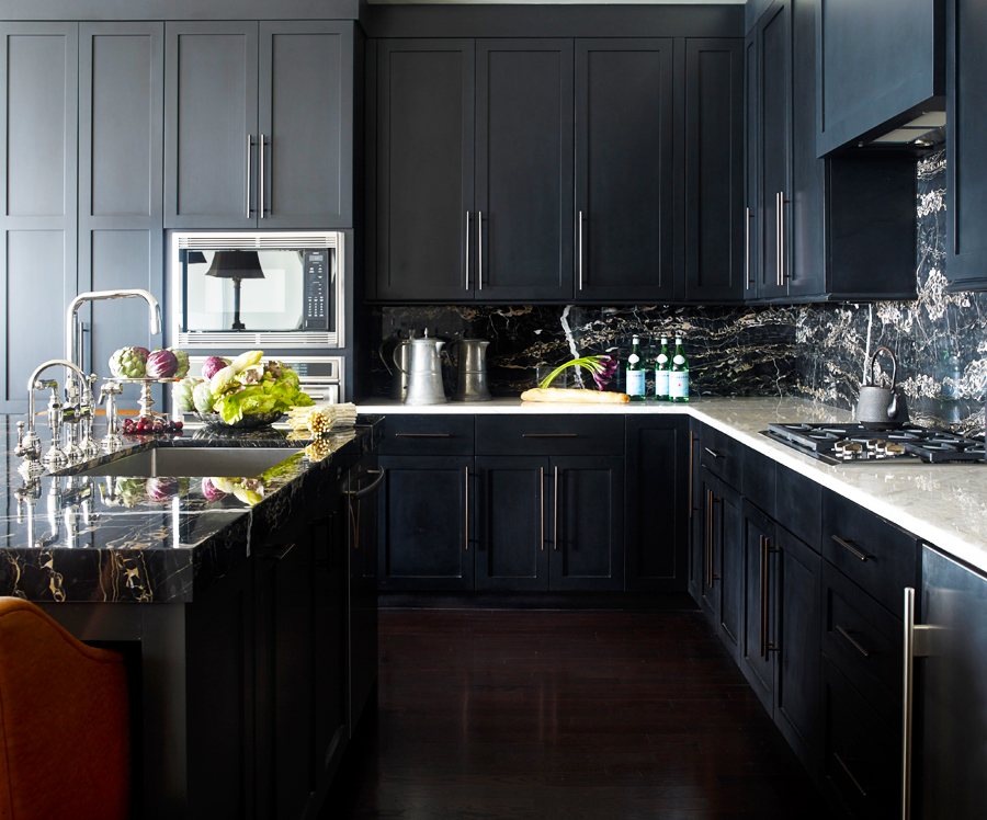 black-kitchen-cabinets-with-modern-black-kitchen-island-with-aluminium-kitchen-sink-ideas