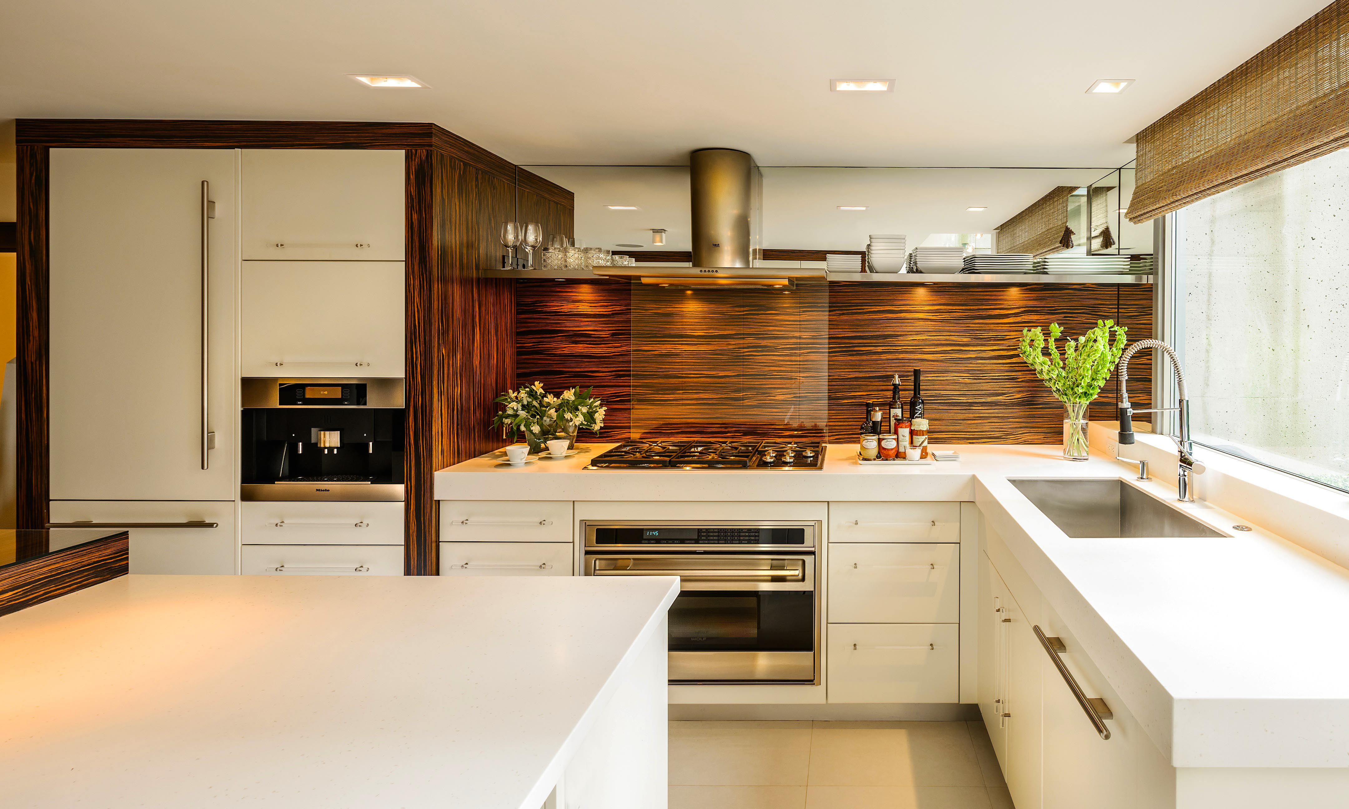 contemporary-kitchen-designs-ideas-for-new-modern-kitchen-cabinet-designs-built-in-oven-and-large-modern-sink-and-wooden-backsplash-designs