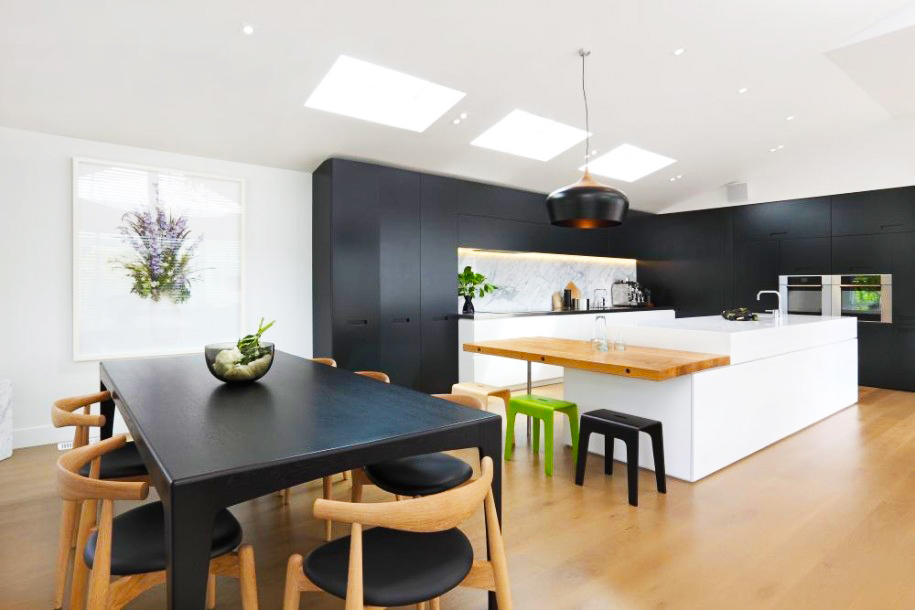 contemporary-kitchen-designs-ideas-with-black-contemporary-kitchen-cabinet-designs-with-pendant-light-ideas-and-vinyl-flooring