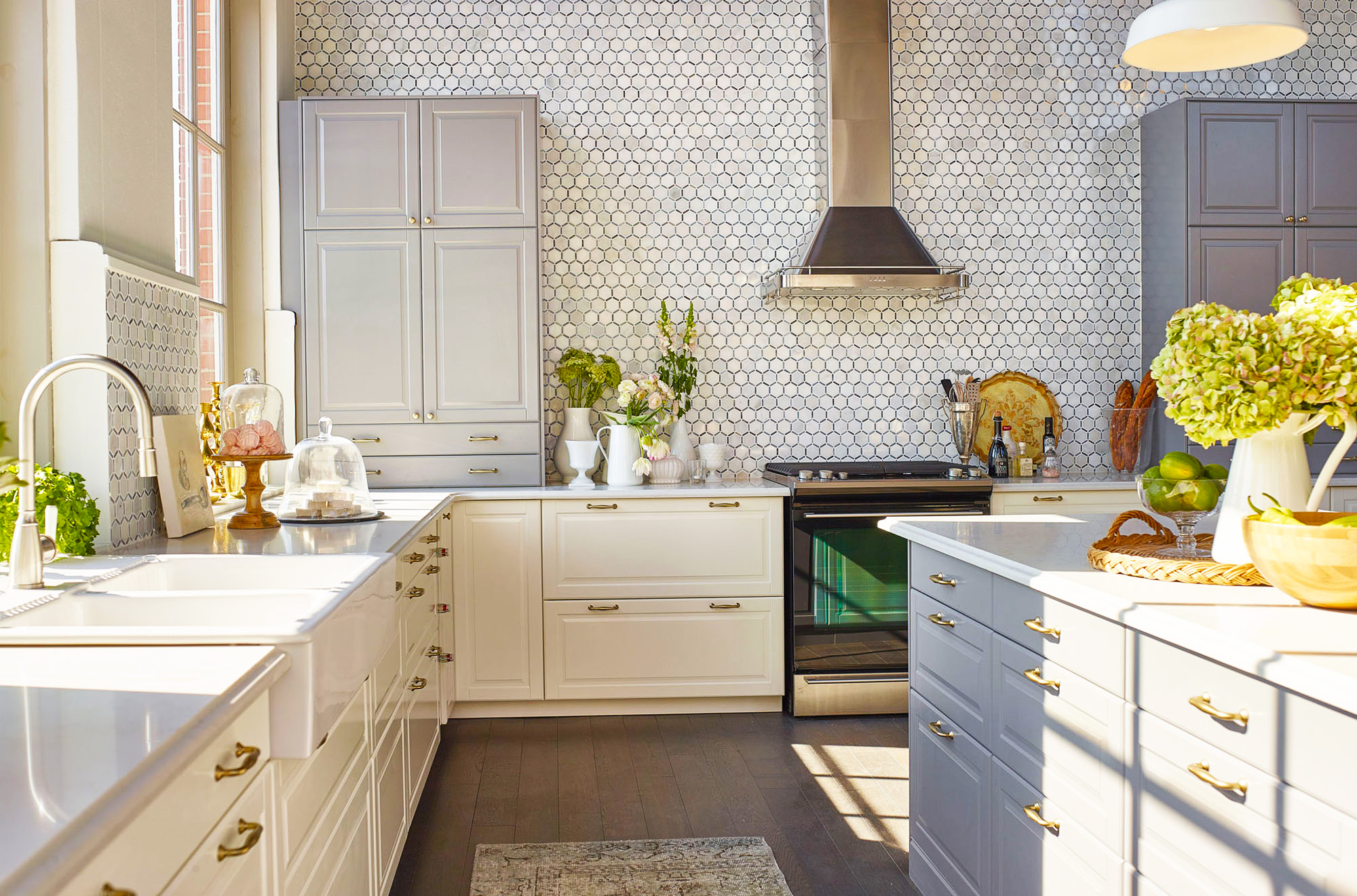 cost-to-remodel-kitchen-renovations-with-average-cost-remodeling-kitchen-for-modern-white-kitchen-cabinets-designs