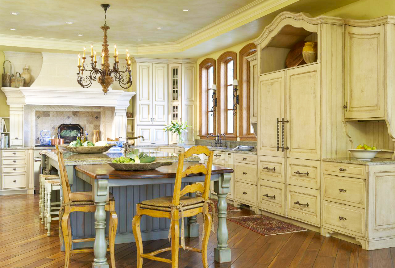 country-kitchen-design-in-oak-kitchen-cabinets-ideas-with-large-kitchen-island-designs-also-pendant-lights-for-kitchen-lighting-ideas