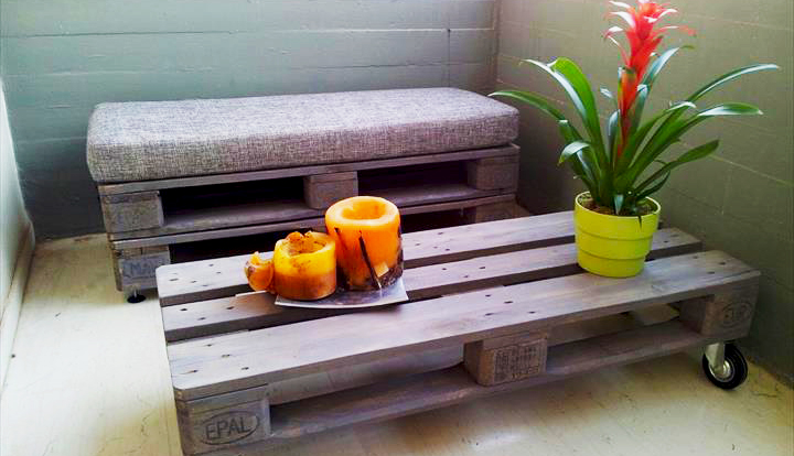 furnitures-ideas-from-wood-pallet-project-ideas-how-to-make-diy-wood-pallet-coffee-table-for-small-spaces