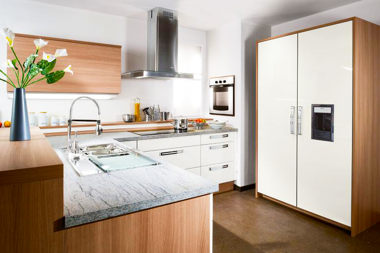 ideas-for-small-kitchens-design-ideas-with-modern-small-kitchen-remodeling-ideas-with-wood-finishing-and-granite-countertops