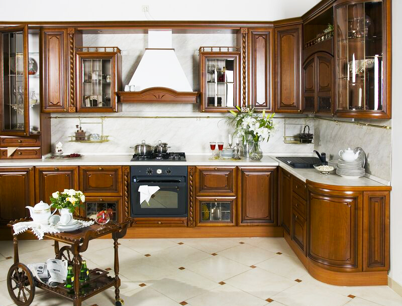 italian-kitchen-design-ideas-for-kitchen-cabinets-traditional-dark-wood-golden-brown-island-cart-wood-hood-in-great-small-italian-kitchen-design-layout-photos