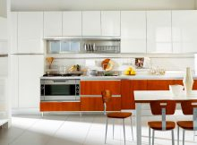 italian-kitchen-design-ideas-with-modern-italian-kitchen-design-pictures-in-white-kitchen-cabinet-design-built-in-modern-oven