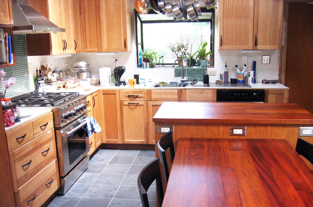 oak-furniture-for-kitchen-wood-furnitures-sets-and-dining-room-furniture-sets-for-modern-home-furnishing-ideas