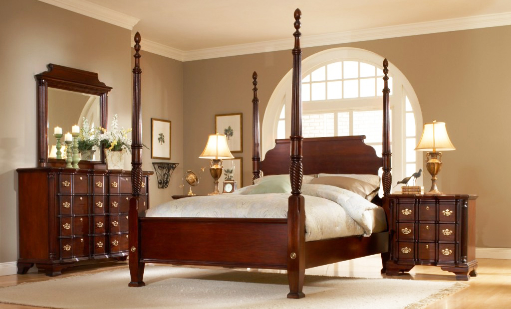 the-best-wooden-furniture-material-with-mahogany-bedroom-furniture-sets-in-luxury-bedroom-interior-ideas