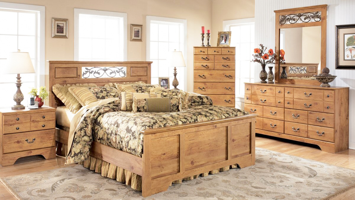 the-best-wooden-furniture-material-with-pine-wood-bedroom-furniture-sets-in-solid-pine-wood-and-unfinished-wood-furniture-with-grey-pattern-rug