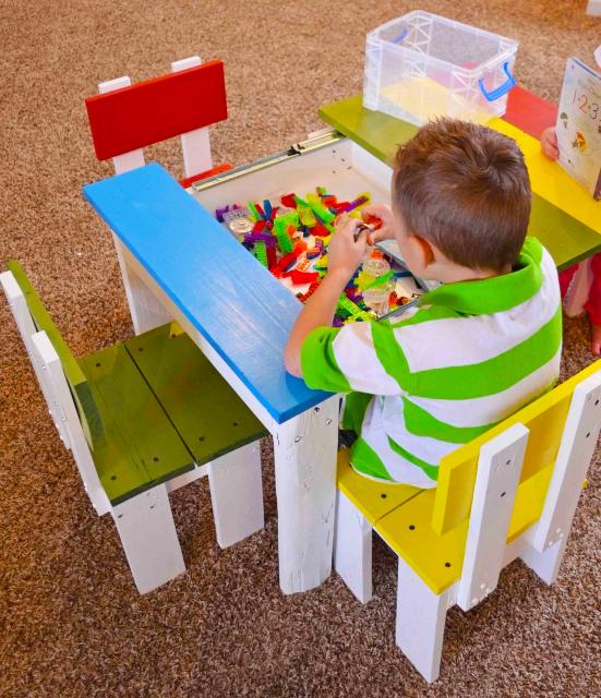 wooen-pallet-diy-small-pallet-chair-for-kids-pic-simple-table-and-chair-for-kids-pallet-furniture-ideas