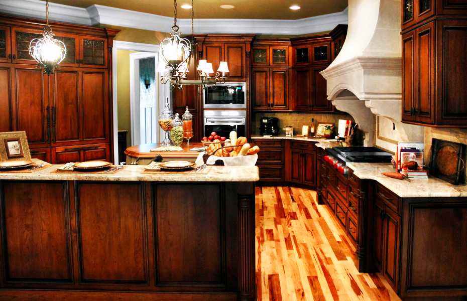 Ideas for custom kitchen cabinets roy home design for Custom kitchens