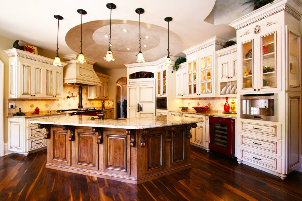 custom-kitchen-cabinets-design-ideas-with-pendant-lights-kitchen-decor-with-white-wood-kitchen-cabinets-for-new-quality-cabinets