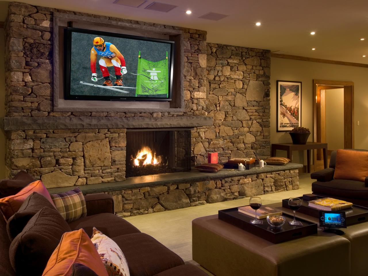 Ideas to decorate a living room theaters roy home design for Living room home theatre designs