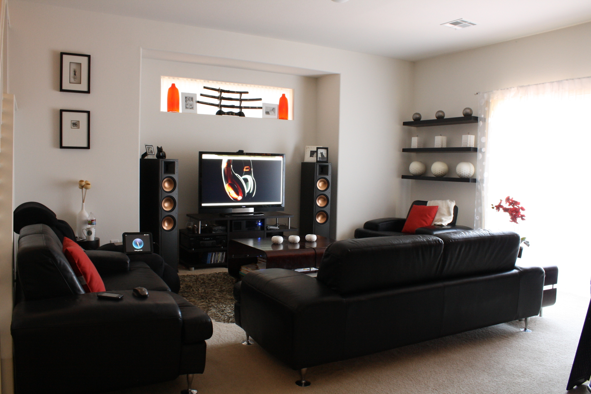 family room design ideas to decorate a living room theaters on a budget