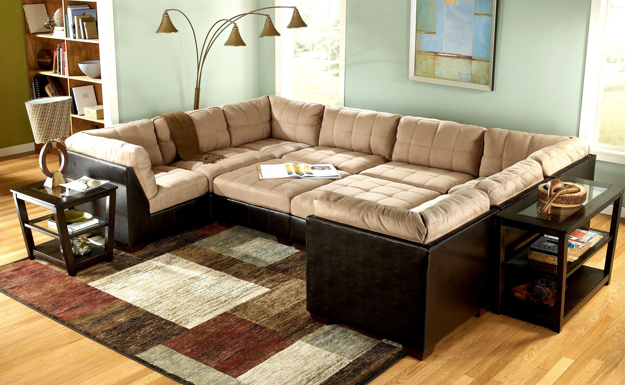 Living room ideas with sectionals sofa for small living for Sectional sofa living room layout
