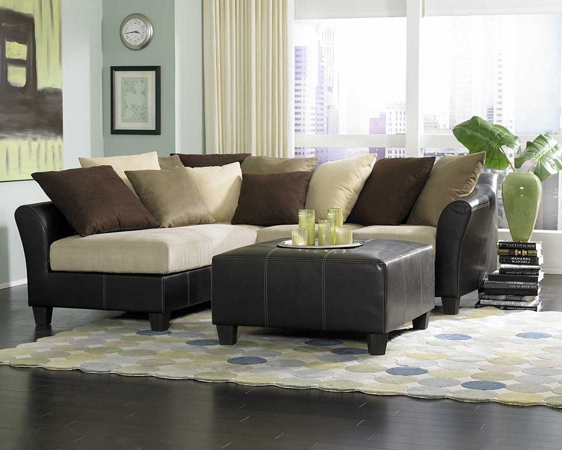 Living room ideas with sectionals sofa for small living for Living room ideas with black leather sectional