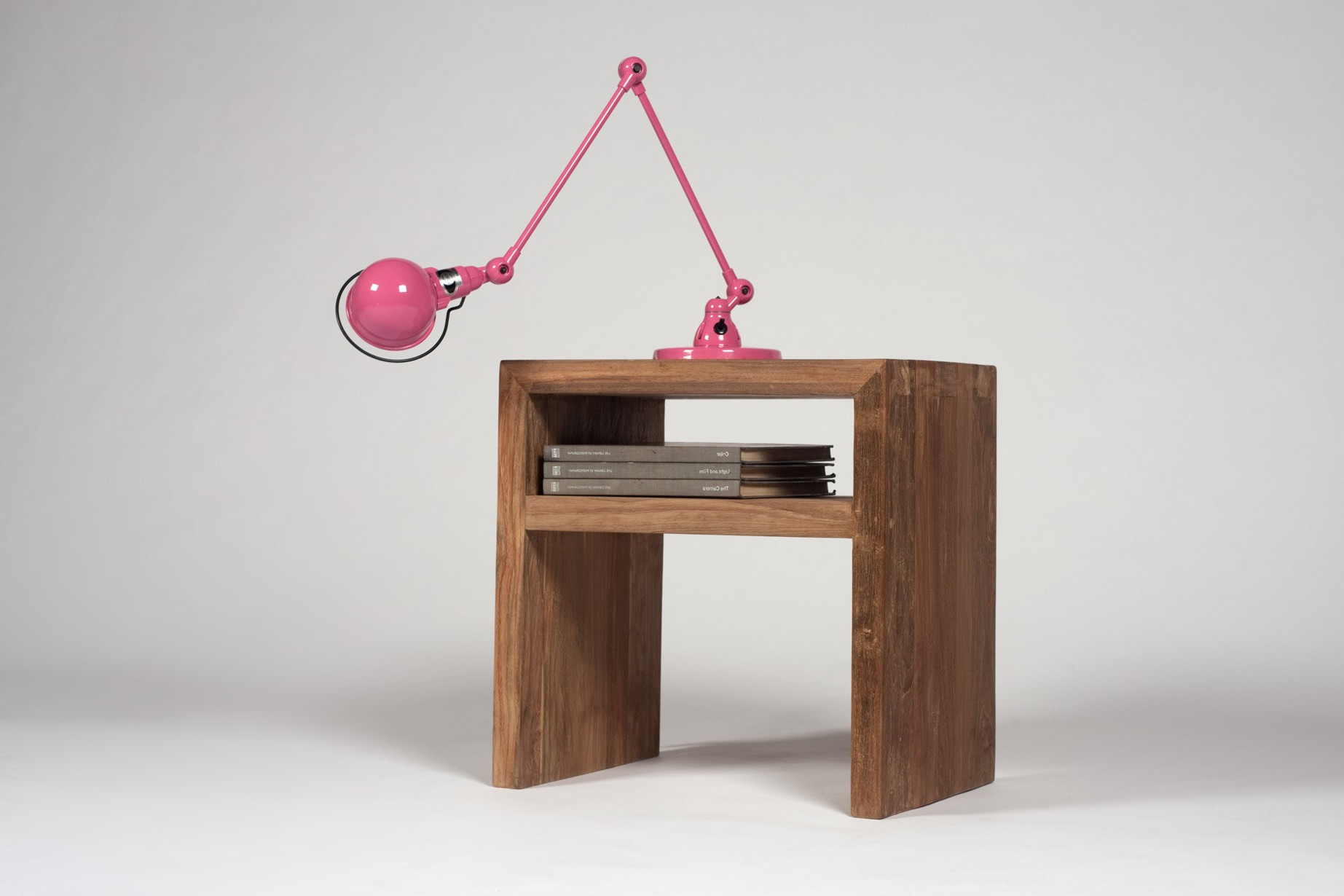 small modern living room wooden end tables with pink lamps design