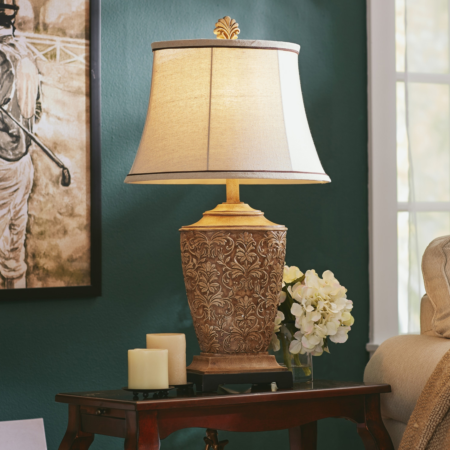 Living Room With Wooden End Table And Tiffany Lamp: Living Room Table Lamps Decor Ideas For Small Living Room