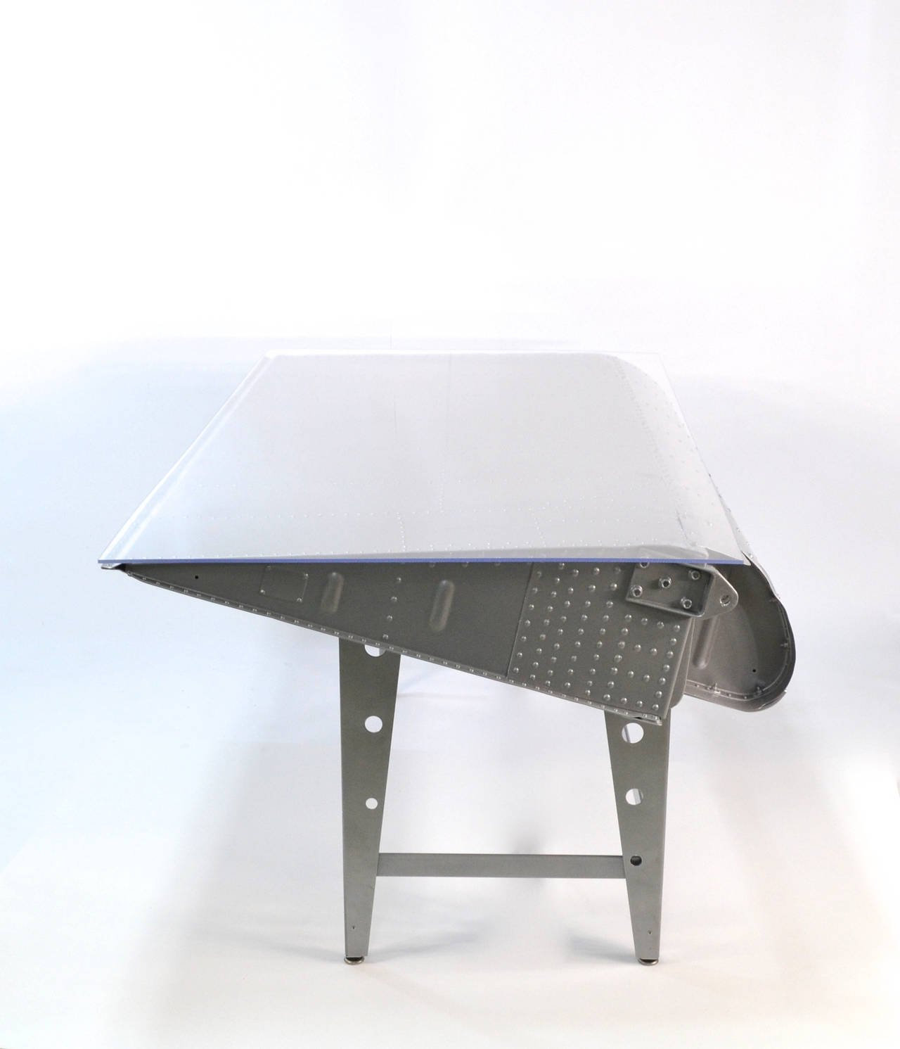 airplane wing coffee table 2