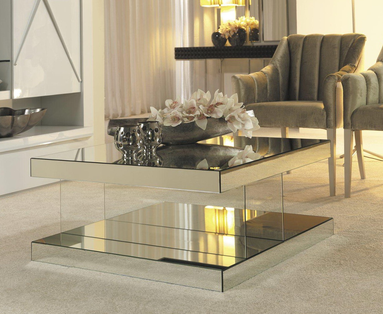 Cheap mirrored coffee table furniture roy home design for Cheap house furnishings