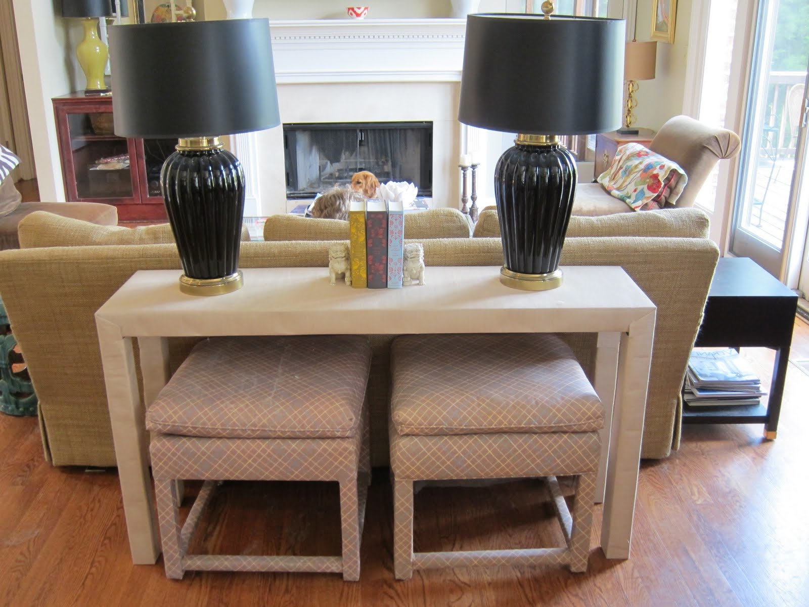 coffee table with chairs underneath 03