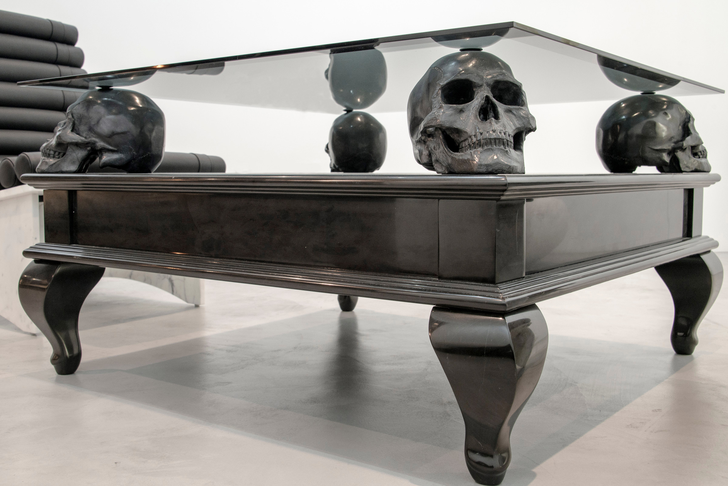 Skull coffee table furniture roy home design for To the table