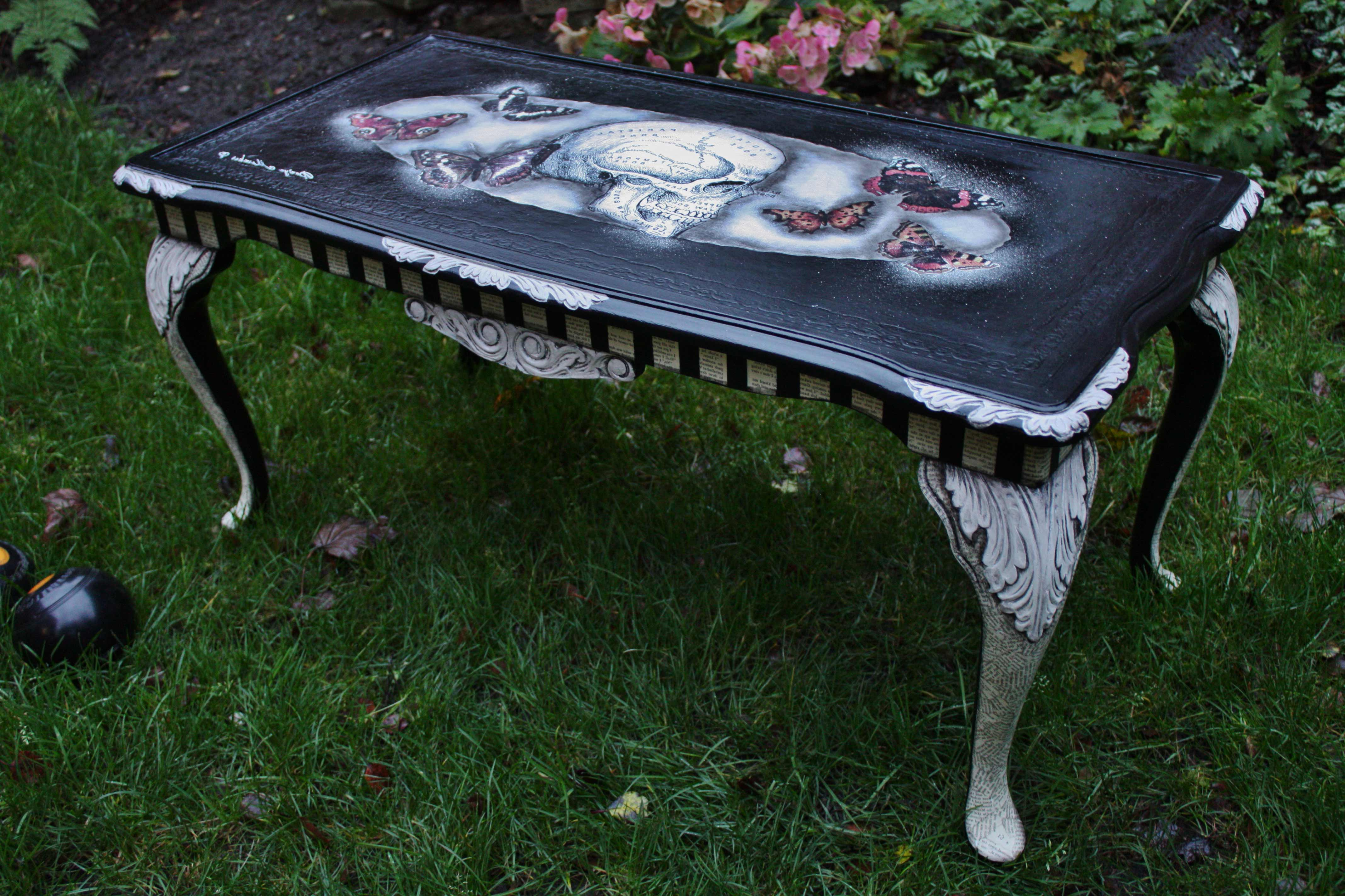 skull coffee table 04
