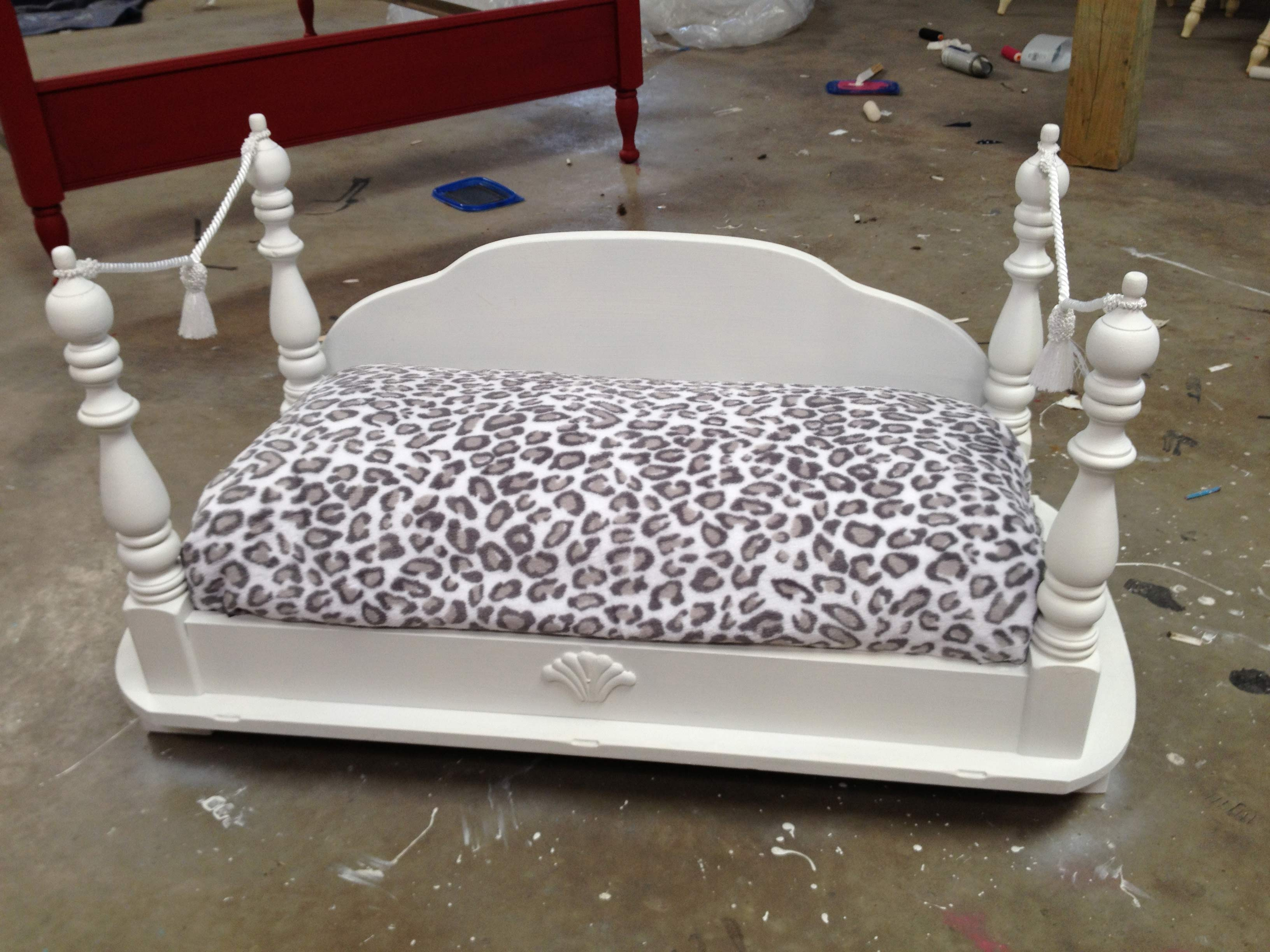 coffee table dog bed 04