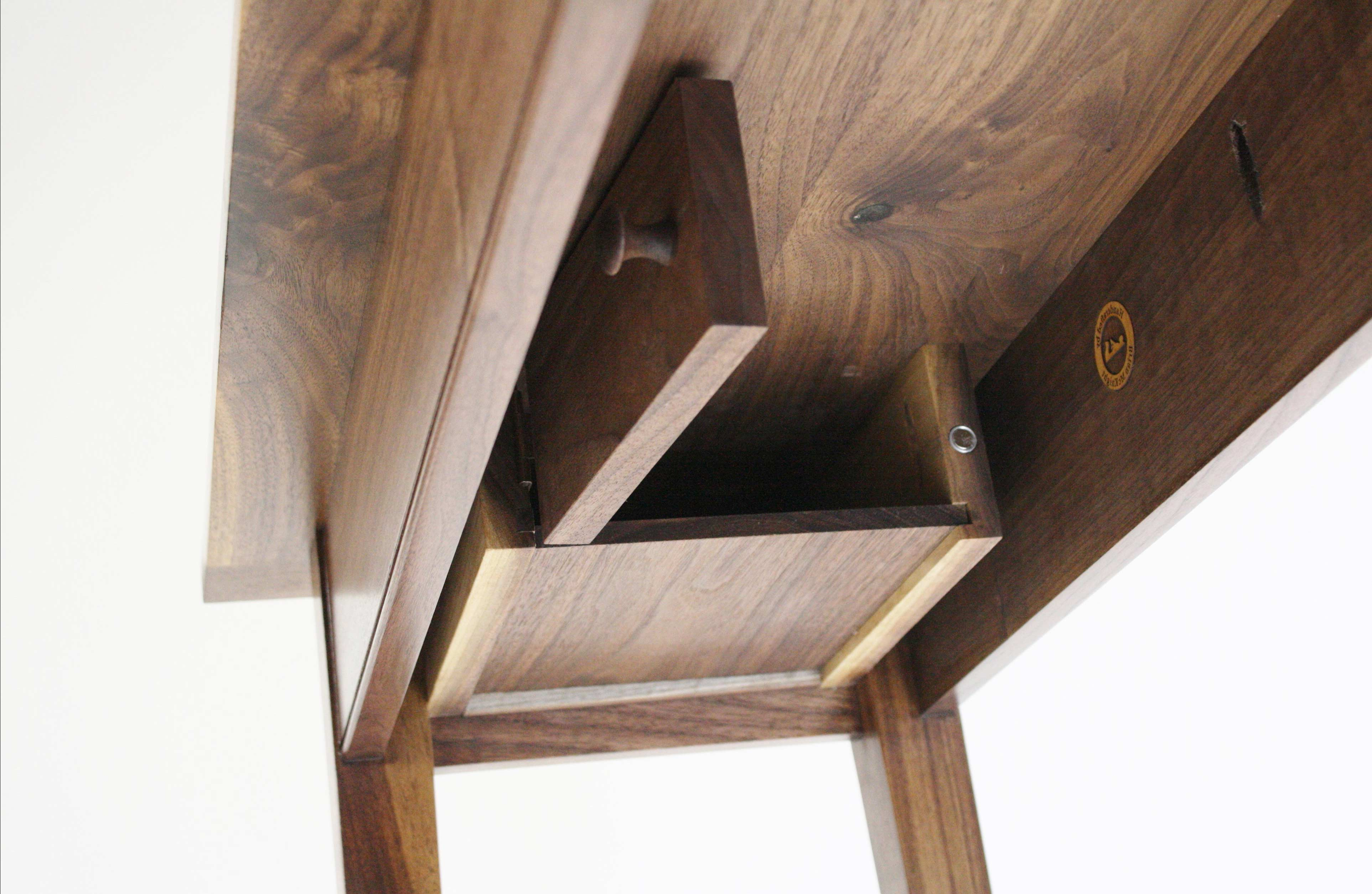 Hidden Compartment Coffee Table 04 ...