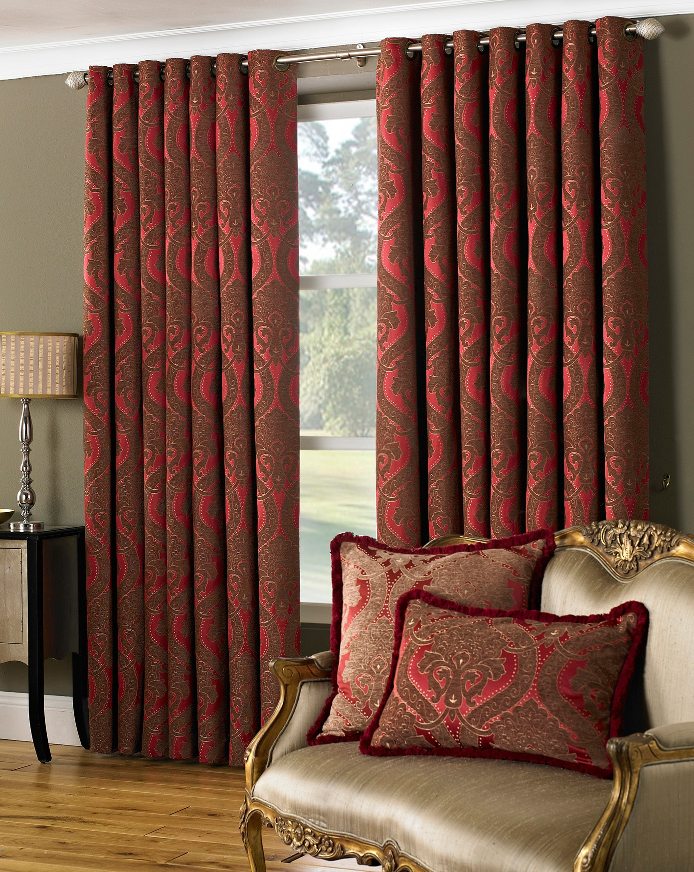 Burgundy curtains for living room roy home design for Decorative items for drawing room