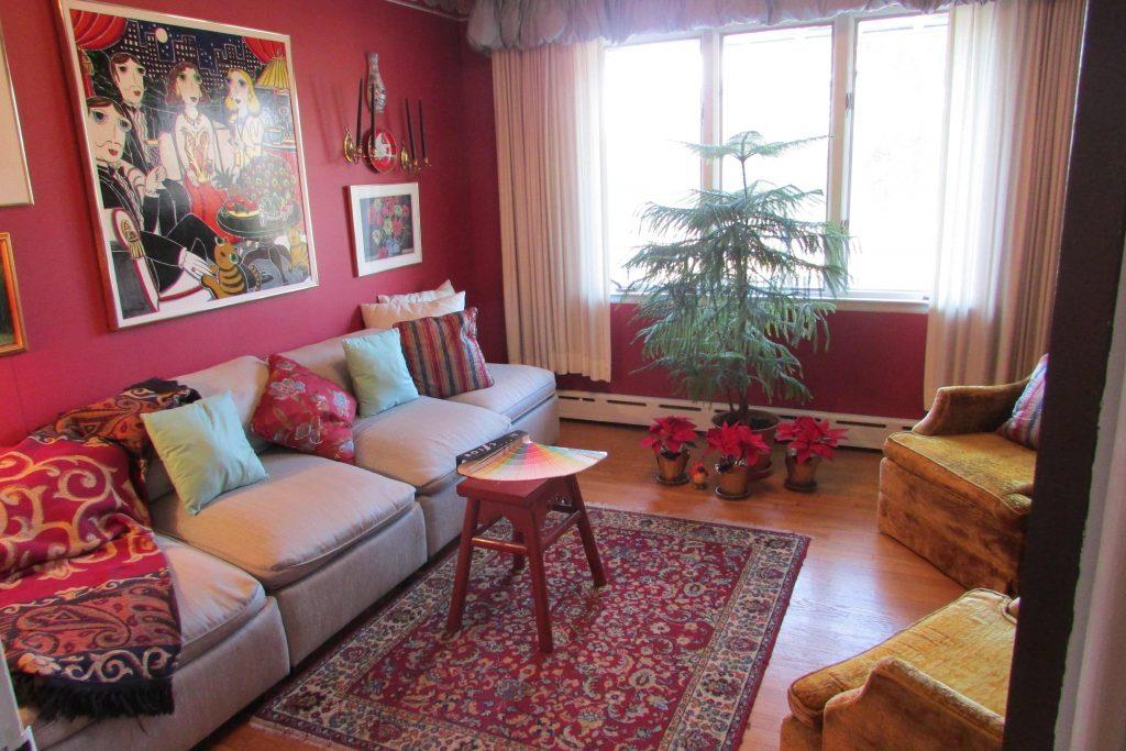 Captivating Burgundy Living Room Color Schemes 12